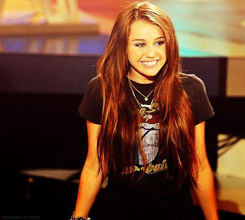 Günün gözəli - Miley Cyrus