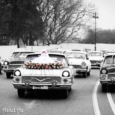 Bakıda retro avtomobillərdən ibarət toy karvanı təşkil edilib - VİDEO