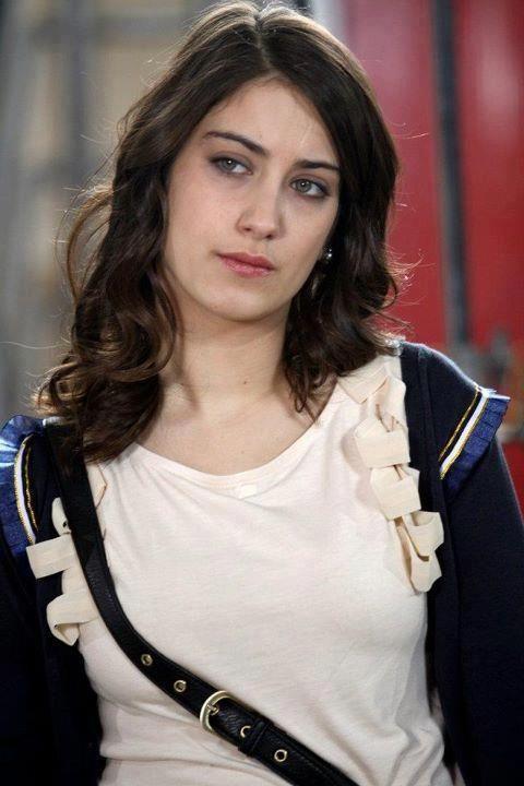 Hazal Kaya {1}