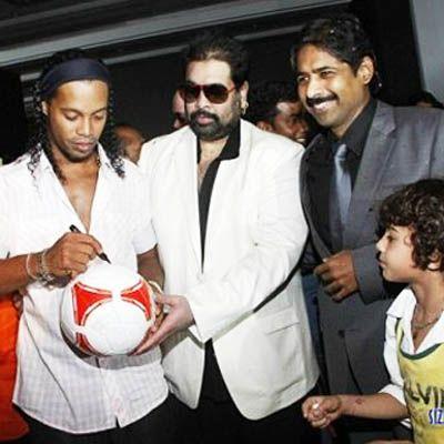 Ronaldinyo Hindistan kinosunda - FOTO