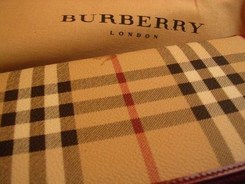 Dəb Burberry