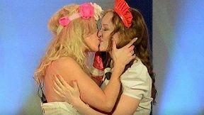 Ölkəsinin homoseksual evliliyə icazə verməməsini Eurovisionda belə etiraz edəcək