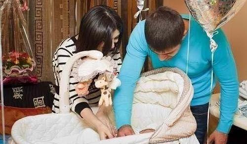 Sevgi insanla birgə doğulur ama o olmür, yaşayır və yaşadır