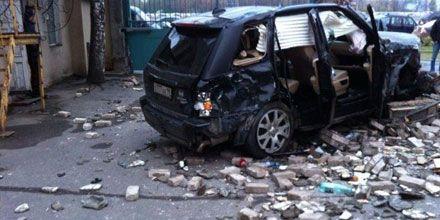 Polis maşını hasara çırpıldı: 3 ölü, 2 yaralı