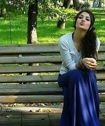 Qarisiq Marisiq:By_pink)