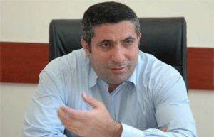 Deputat mitinqi izlədi və Milli Şuranın fatihəsini verdi