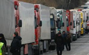 Azərbaycan-Rusiya sərhədində tıxac - 150 avtobusa