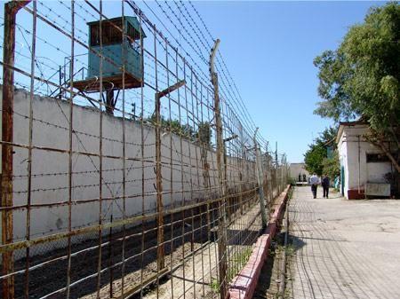 Azərbaycanda istintaq təcridxanasına narkotik vasitə keçirilməsinin qarşısı alınıb