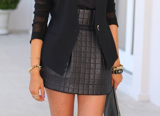 Who loves black?