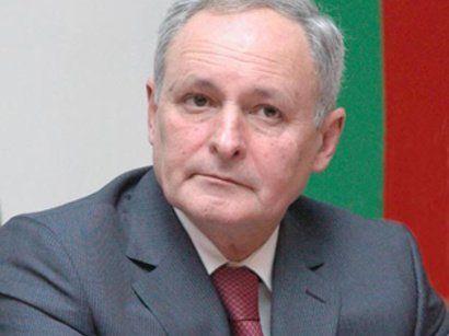 """Oqtay Şirəliyevin böyük """"dərman savaşı"""""""