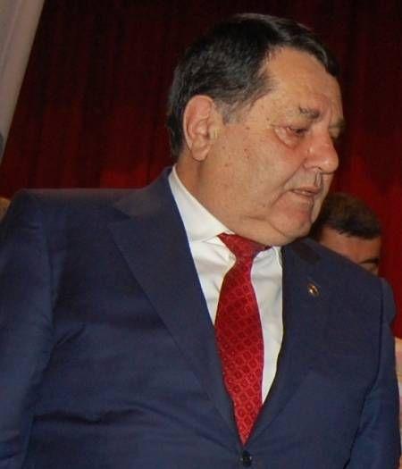 Tovuz İcra başçısının oğlu atasını 5 milyon ziyana salıb