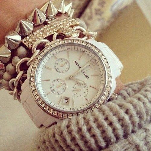 Saat neçədir?