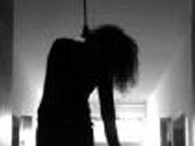 Azərbaycanda 11 sinifdə oxuyan qız özünü öldürüb