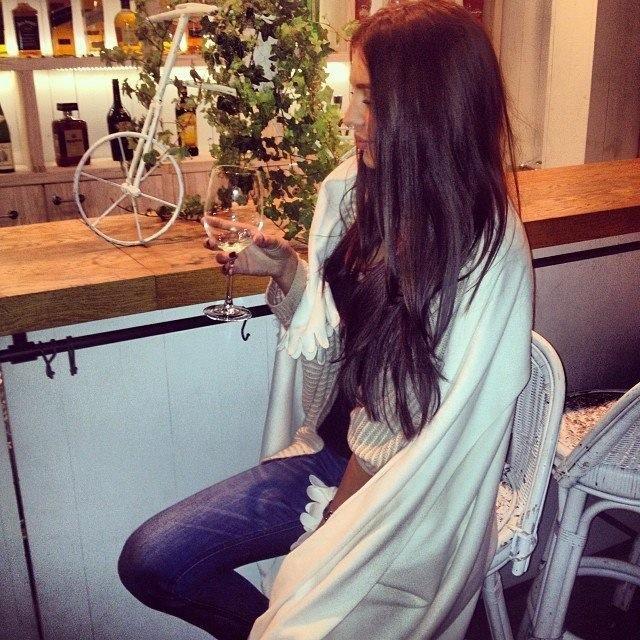 С длинными волосами на аву