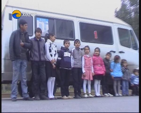 Azərbaycanlı gənc ailənin bir avtobus uşağı var - Video