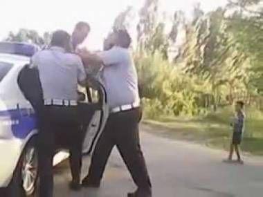 Azərbaycanda yol polisi vətəndaşa zor tətbiq etdi -VİDEO