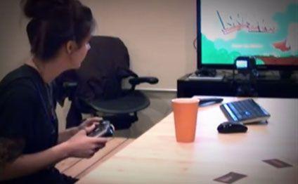 Oğlan sevdiyi qız üçün kompüter oyununu yazdı (VİDEO)