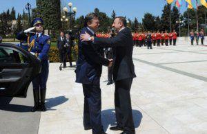 Əliyev Ukraynanın xilası üçün pul ayırır