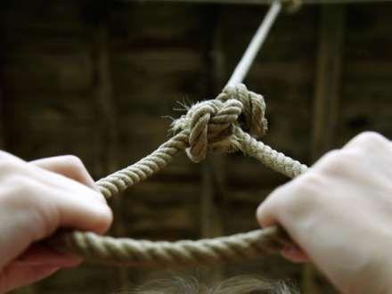 Qubada 20 yaşlı gənc intihar edib