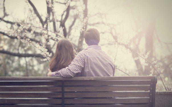Eşq səssiz sevgi dilsin