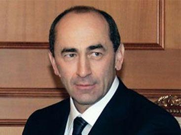 Köçəryan Ermənistanda baş naziri devirib yerinə keçir