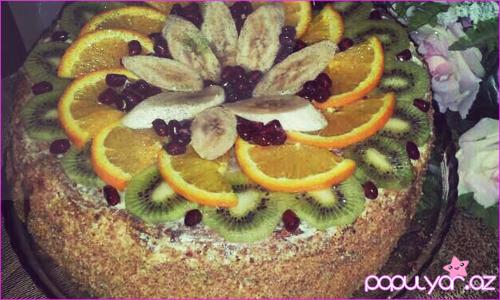 Meyvəli biskivitli tort