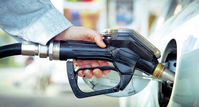 Yanacaqdoldurma məntəqələrindən kütləvi şikayət - Benzin alan sürücülər belə aldadılır...