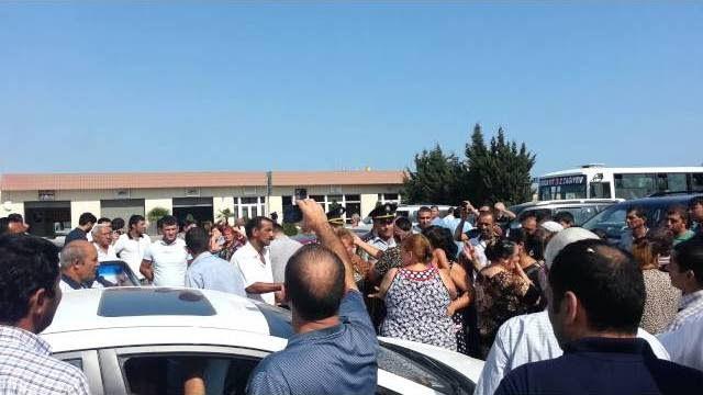 Sumqayıtda məcburi köçkünlər şəhərin əsas yolunu bağladı - Video