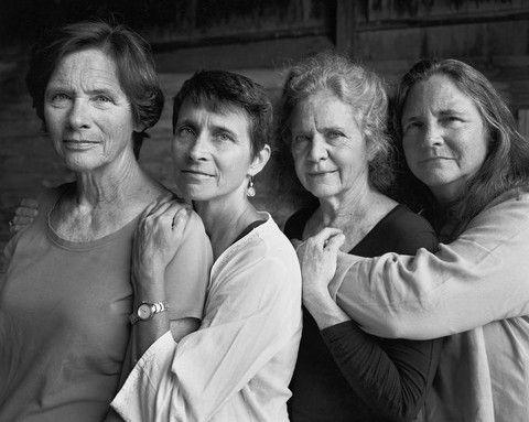 40 ildə 40 şəkil çəkdirən qızlar - FOTOLAR