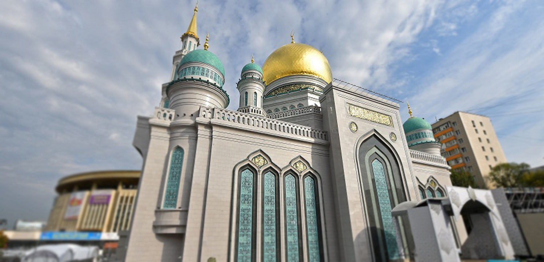 Sahar TV | На открытие Соборной мечети в Москве собрались тысячи мусульман |