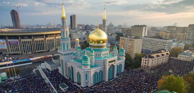 Sahar TV | Центром праздника Курбан-байрам в России стала Московская Соборная мечеть |