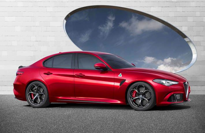 Alfa Romeo yeni sedan təqdim etdi