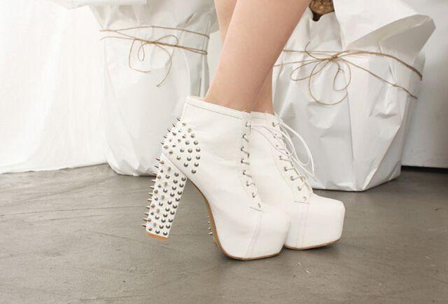 Shoes {2}