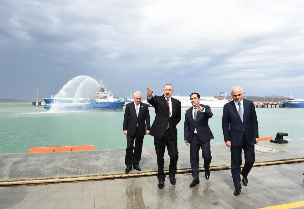 İlham Əliyev Bakı Beynəlxalq Dəniz Ticarət Limanı Kompleksinin açılışında - YENİLƏNİB +