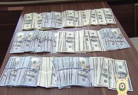 Bakıda evdən 70 min dollar oğurlayanlar ələ keçdi