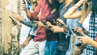 Telefon asılılığından azad olmağa hazırsınızmı?