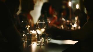 Davos 2019: Qaranlıqda şam yeməyi insanın gözlərini necə aça bilər