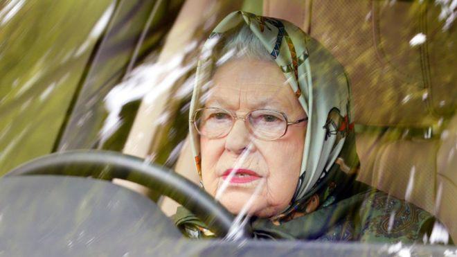 Avtomobildən qorun! Britaniya kral ailəsinin üzvləri maşını özləri sürməyi niyə sevir?