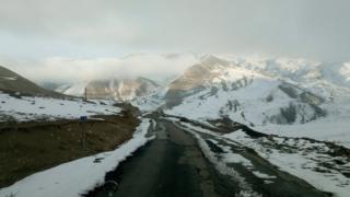 Xınalıq: 9 tələbəsi olan dağ kəndinin bir qış günü