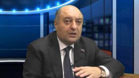 """YAP-çı deputatdan gözlənilməz açıqlama: """"Sosial şəbəkələri bağlaya bilərik..."""""""
