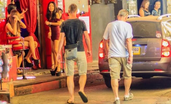 VIDEO - Deputatlar seks turizmə görə günahı nədə görürlər?