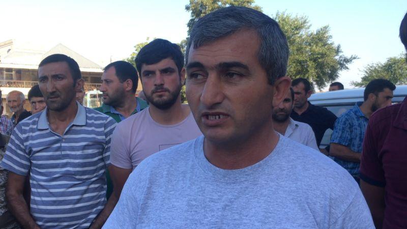 Tovuza gedən könüllülər: